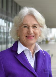 Themis-Vorsitzende Eva Hubert – Bild: Bina Engel